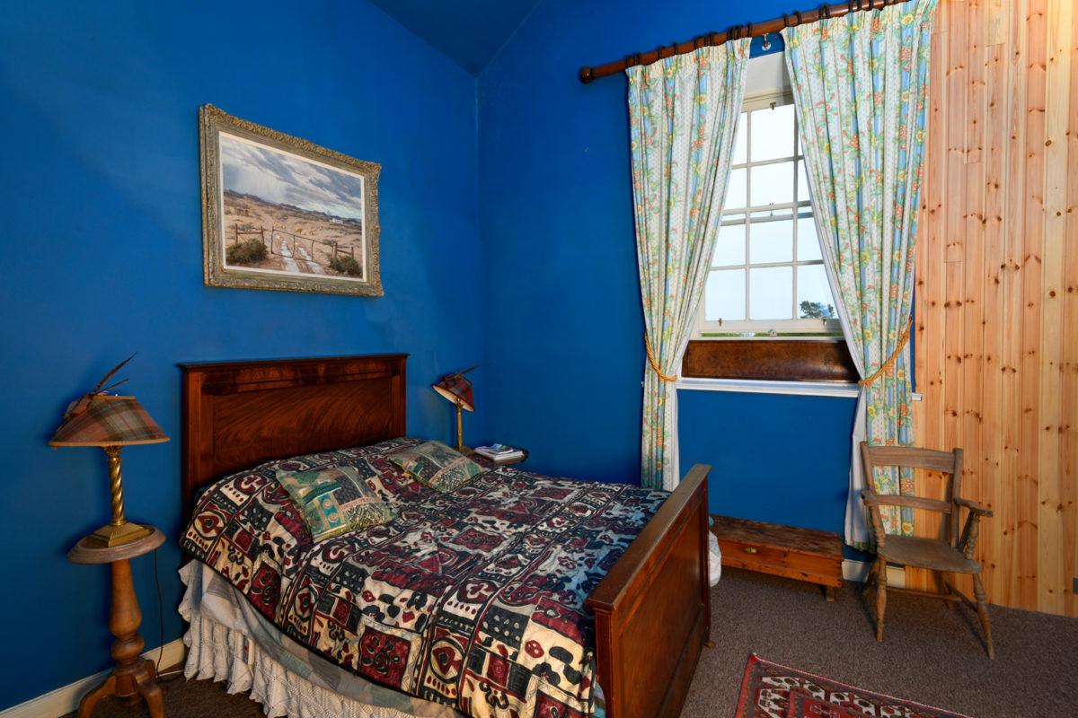 Auchencairn house blue room